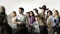 """W końcu ukazał się zwiastun drugiego sezonu rewelacyjnego serialu o zombie, jakim jest """"The Walking Dead"""". Przypominamy, że serial powstał na podstawie czarno-białej serii komiksów autorstwa Roberta Kirkmana i Tony'ego […]"""