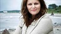 """Książki duńskiej autorki książek Sary Blædel, którą często określa się jako """"Duńską Królową Kryminałów"""", zawitają w końcu do Polski. <- Fot. Flemming Gernyx Autorka ma na swoim koncie siedem książek […]"""