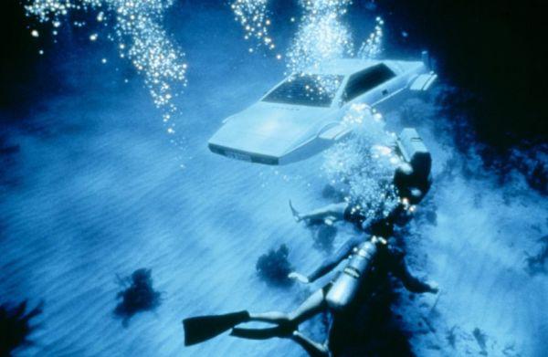 Plywajace auto Bonda