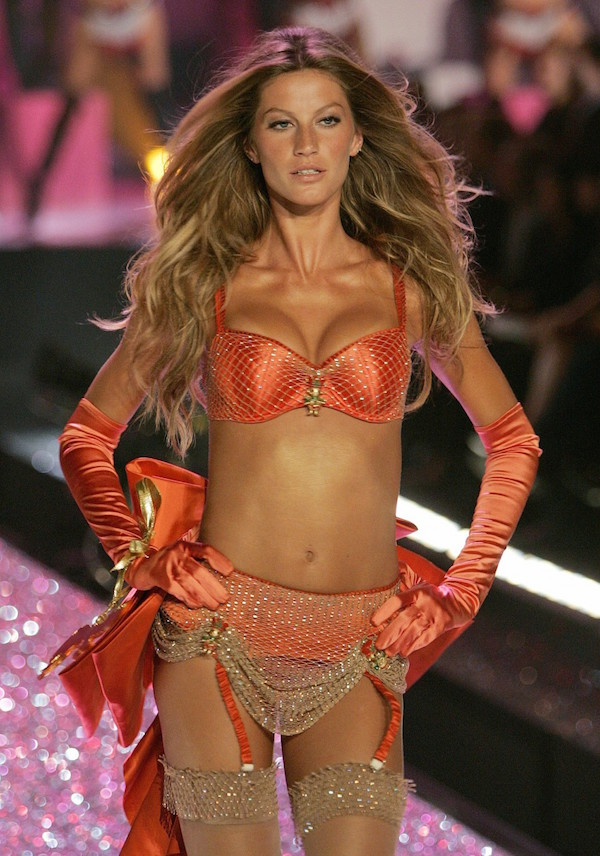 supermodelka-gisele-bundchen-victorias-secret-fashion-show